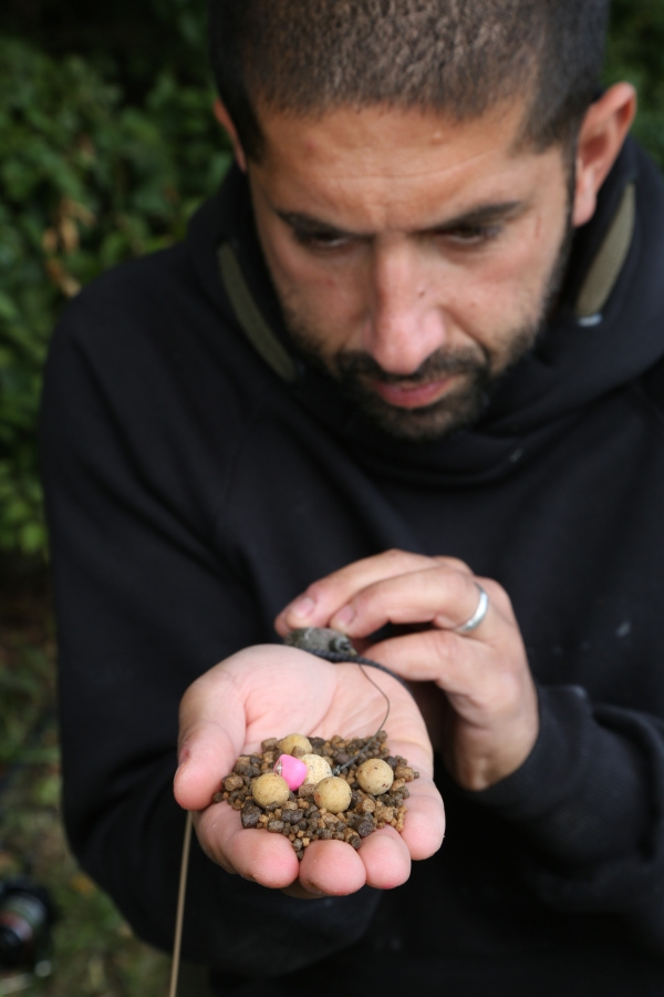 Some Spod & PVA Pellet, a few boilies and a Balanced Wafter – the perfect mouthful of bait