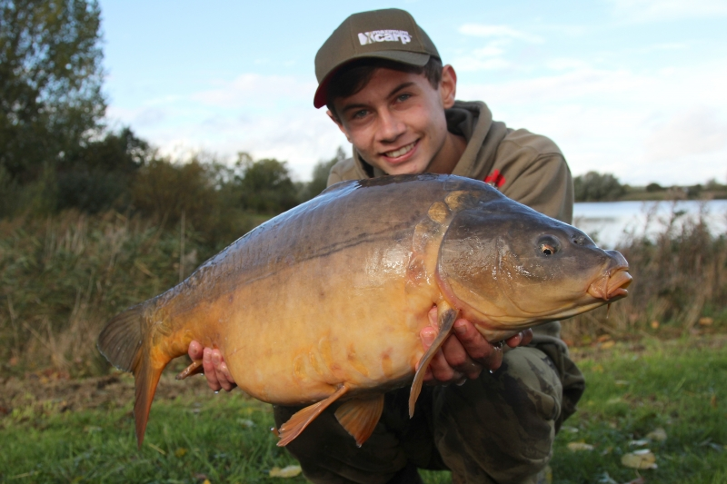 A bright hookbait wafting within a mouthful of pellet is difficult for any carp to resist!