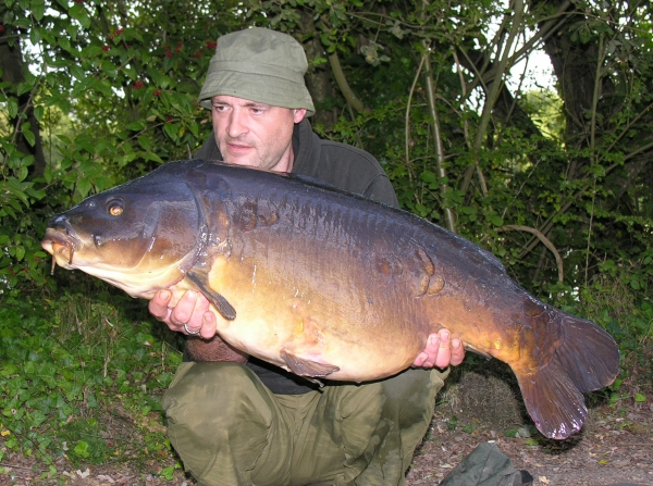 38lb 3oz of beautifully proportioned, chestnut flanked mirror carp – fantastic!