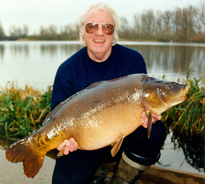 February mirror of 35lb 8oz from Orchid Lake, Grange Red, 2001.