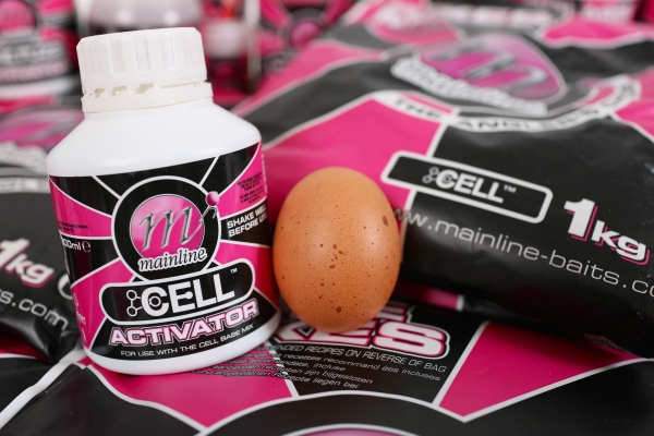01 All you need is paste one egg, a Dedicated Base Mix of your choice and the corresponding liquid Activator.