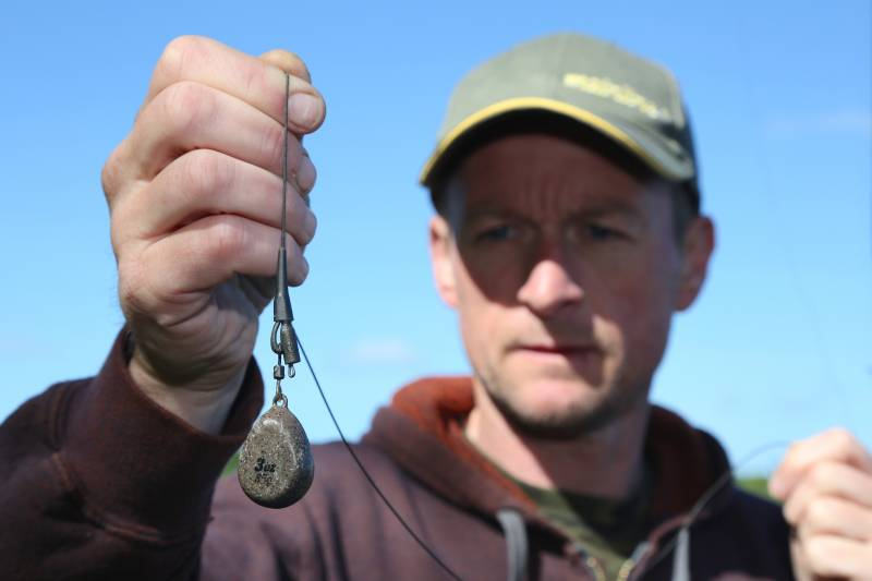 The easiest way to find your spots and fish safely – a single lead mounted on a lead clip
