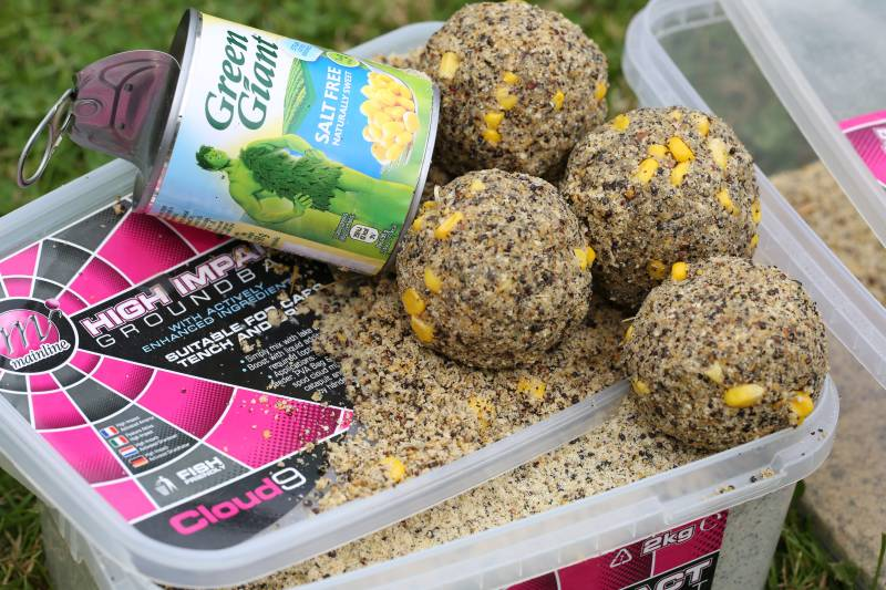 Goundbaits mixed with corn make a superb winter bait