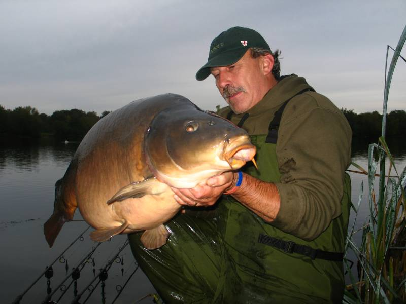 With Mainlines help the big mirrors just keep on coming: 45lb 2oz!