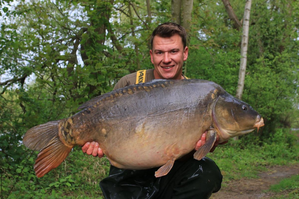 The Cell just keeps on marching on - 'Roids' from Kingsmead Island at 54lb 6oz!