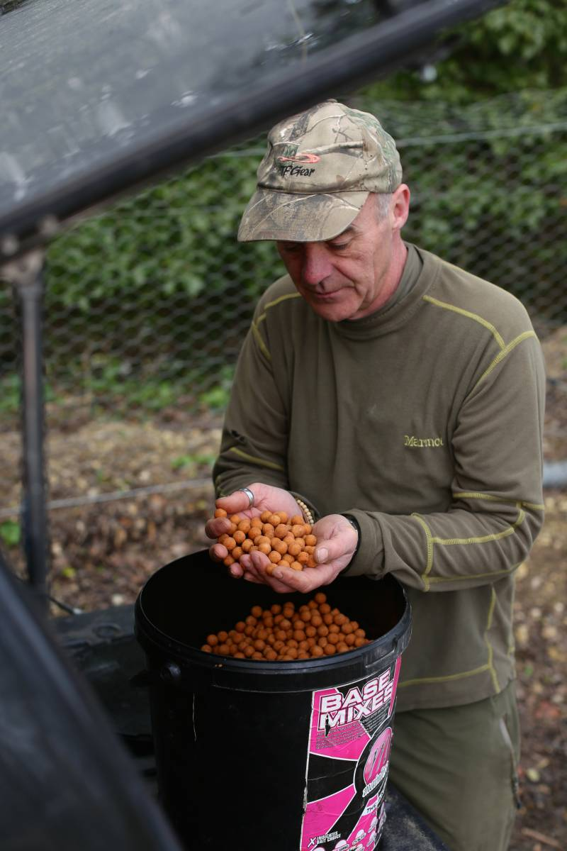 Once air-dried, rehydrated and dried again the boilies can stay in a bucket ready for use.