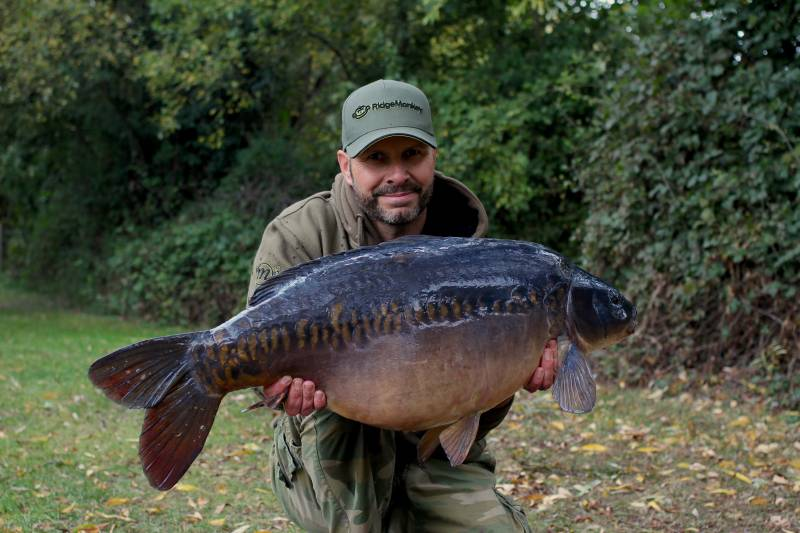 Horton certainly held some beautiful carp like this 34lb 10oz mirror