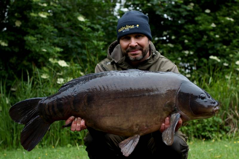 A fish known as Scully at 40lb 4oz and I was starting to apply a little more bait
