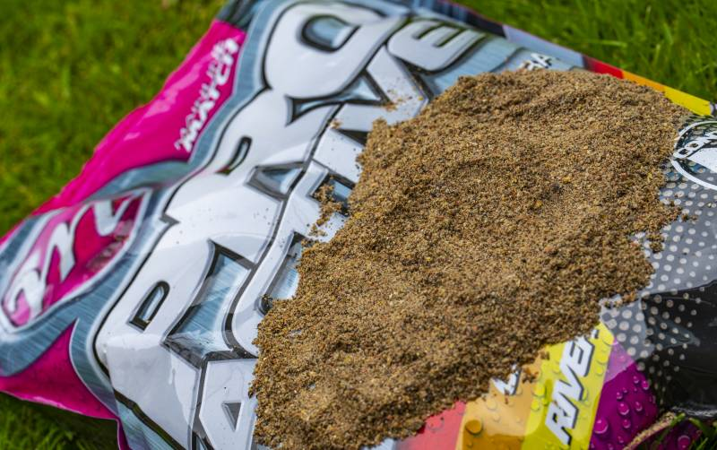The mix has been developed to enable anglers to feed this groundbait in a range of different ways