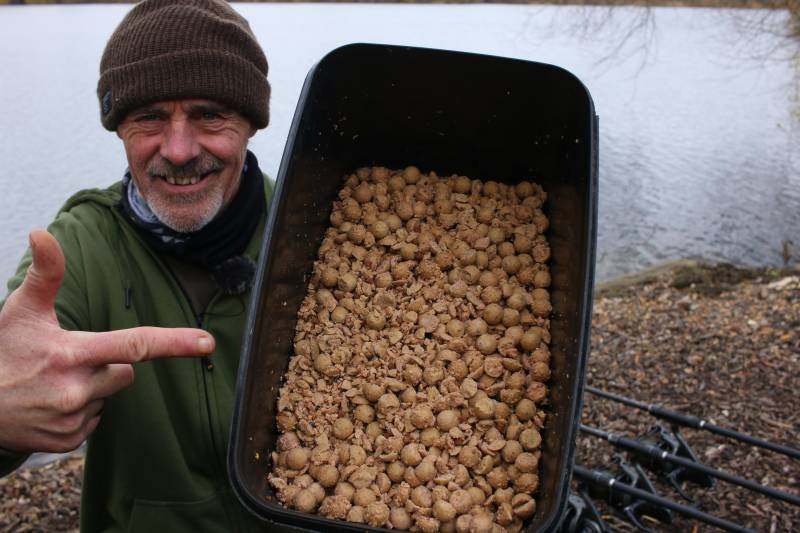Chopped boilies with plenty of liquid attraction!