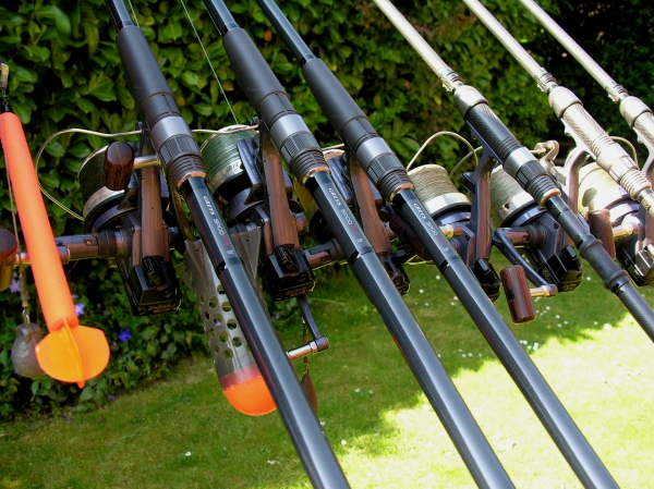 Marker, spod, leading and fishing rods - all with the same reels