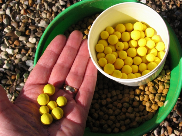 The awesome pineapple pop-ups that have caught me some cracking carp!