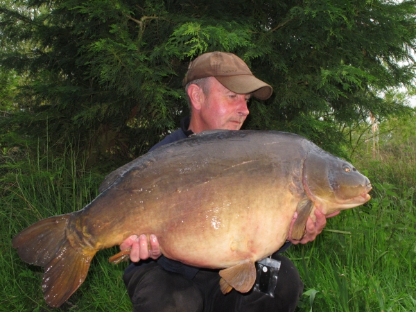 One of the forties last year in the shape of this a lovely well proportioned mirror